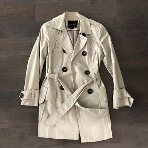 Zara trenchcoat khaki